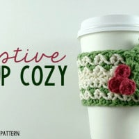 Festive Cup Cozy by Oombawka Design