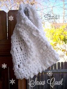Warm Snow Cowl by Stitch11