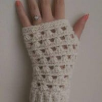 Lazy Daisy Fingerless Gloves by The Lavender Chair