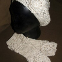Must Be A Lady Hat and Fingerless Gloves by The Country Willow