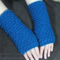 Moss Stitch Finger Less Gloves by Meladora's Creations