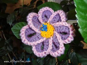 Funky Flower Motif by Niftynnifer's Crochet & Crafts